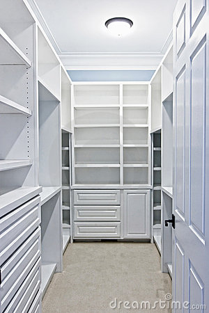 Free Walk-in Closet Royalty Free Stock Photo - 8790335