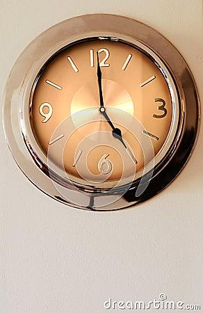 Free Wall Clock Indicating 5 (five) Stock Photography - 2181122