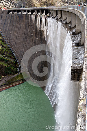 Free Wall Of The Dam Royalty Free Stock Photography - 36503727