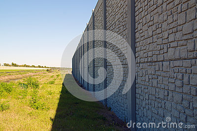 Wall with vanishing point and field