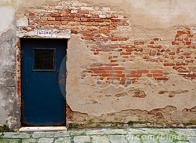 Wall Wth Exposed Brick Door Venice Italy Stock Images