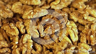 Walnuss schließen mineralstoffreiche und vitaminreiche Erzeugnisse Walnuss dreht in einem Schuss Nusskerne, rotierend Walnuss stock footage