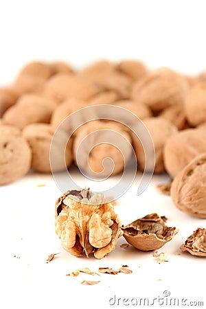 Walnut cracker