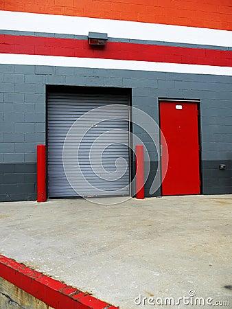 Warehouse: loading bay platform