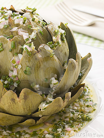 Free Warm Globe Artichoke Vinaigrette Stock Photos - 5950923