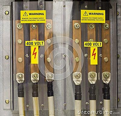 Warning 400V
