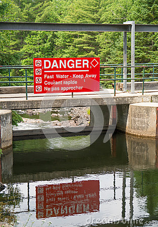Warning sign on Lake