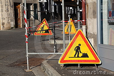 Warning Signs For Traffic Below Scaffolding