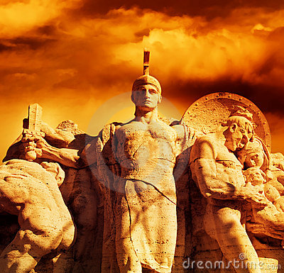 Free Warrior With A Sword Statue Royalty Free Stock Photography - 8222387