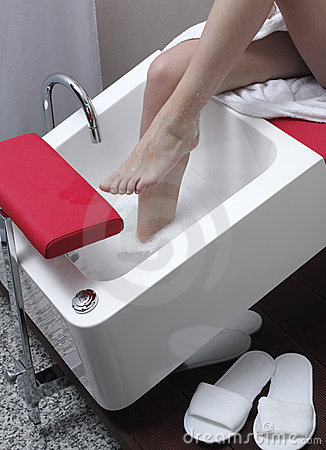 Free Washing Feet Royalty Free Stock Photo - 5824255