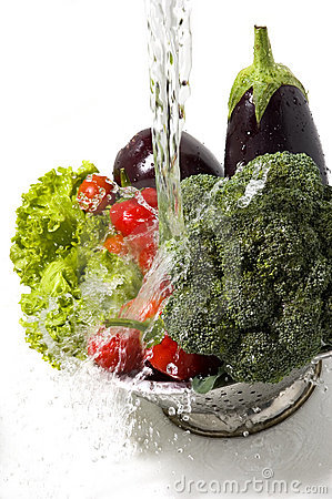 Free Washing Vegetables Stock Images - 7010954