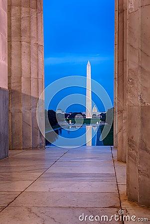 Free Washington Monument Reflecting From Jefferson Stock Photo - 26343370