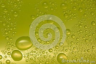 Wassertropfen auf Glas