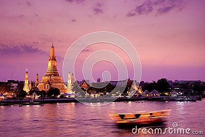 Wat Arun, Chao Phraya River, Bangkok, Thailand