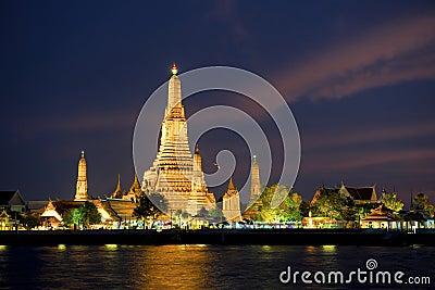 Wat Arun at Songkran