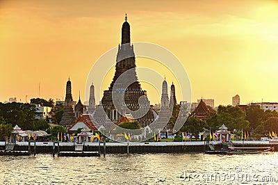 Wat Arun during sunset in Bangkok