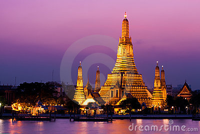 Wat Arun Temple in sunset