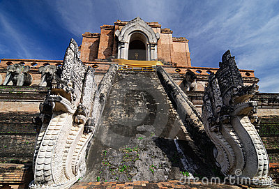 Wat Chedi Luang , Old temple in Chiang Mai
