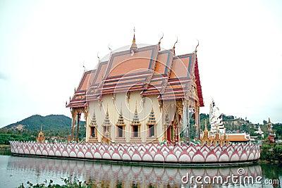Wat Pai Laem temple