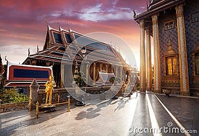 Wat Phra Kaew in Bangkok at sunset Stock Photo