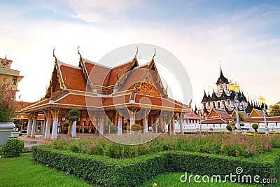 Wat Ratchanadda, Loha Prasat