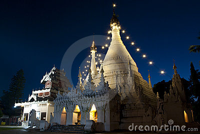 Wat thai at night