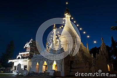 Wat thai at night