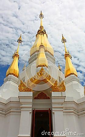 Wat tham stupa khuha sawan