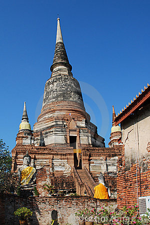 Wat Yai Chai Mong Khon