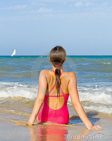 Free Watch The Sea With My Back Stock Photo - 7148270