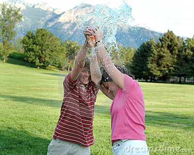 Water balloon bursting