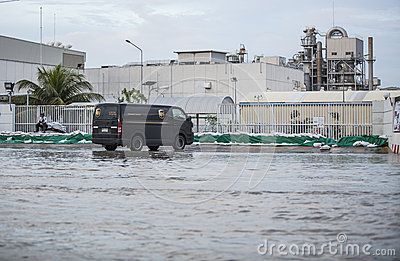 Water flooding attack to Amata Nakorn Industrial Estate Editorial Stock Image