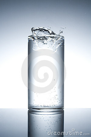 Free Water Glass Royalty Free Stock Photos - 5223158