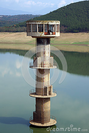 Water intake tower
