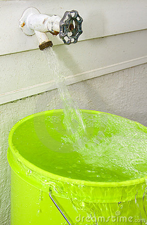 Free Water Overflowing Royalty Free Stock Image - 19247566