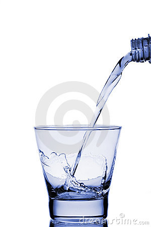 Free Water Poured Into Glass Royalty Free Stock Images - 4632409