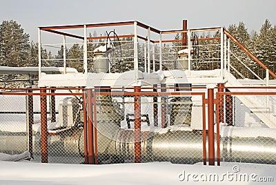 Water-pressure head latches of a high pressure