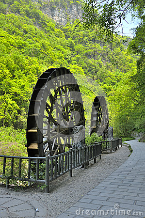 Water wheels near Xiaofeng River