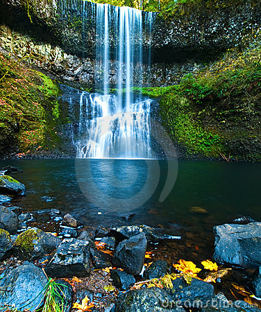 Free Waterfall Royalty Free Stock Photos - 16536048