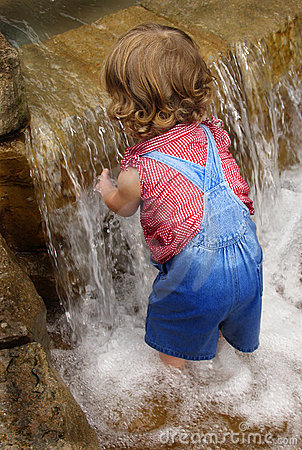 Free Waterfall Baby Stock Photography - 170382
