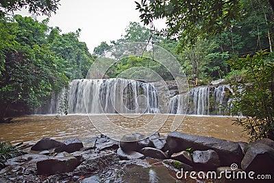 Waterfall Mak Mew