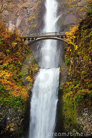 Waterfall - multnomah falls in Oregon