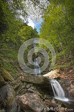 Free Waterfalls Royalty Free Stock Image - 2717736