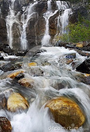 Free Waterfalls, Falls In Canadian Rocky Mountains Stock Photos - 62413423