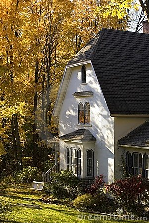 Free Waterloo, Quebec, Canada; House In Autumn Stock Photo - 15993810