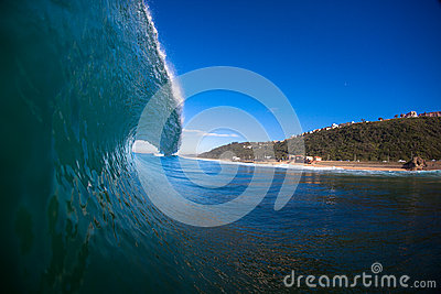 Wave Lip Pitching Water