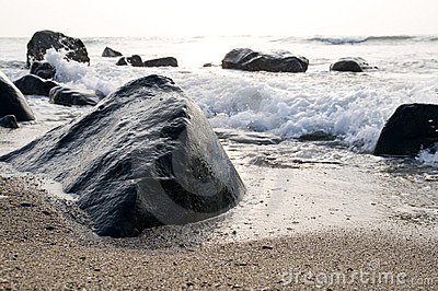 The wave and stone