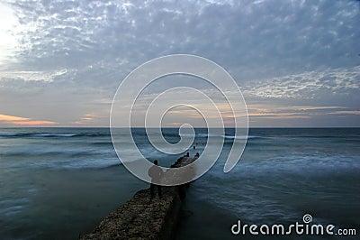 Waves breaker