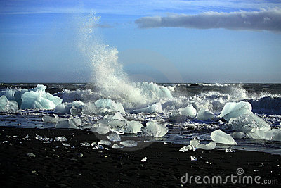 Waves breaking up the icebergs