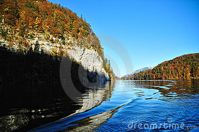 Waves on Konigssee lake